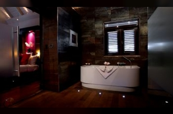 Фото отеля Baoase Luxury Resort - Deep Soaking Bathtub