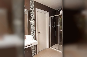 Фото отеля ESH Executive Style Hotel - Bathroom