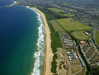Фото отеля Wollongong Surf Leisure Resort - Aerial View