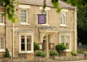 Фото отеля Feversham Arms Hotel & Verbena Spa - Featured Image