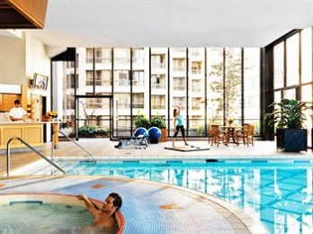 Фото отеля Four Seasons Hotel Vancouver - Outdoor Pool