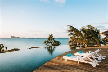 Фото отеля Paradise Cove Boutique Hotel - Featured Image
