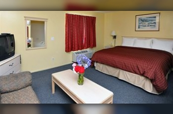 Фото отеля Pacific View Inn and Suites - Guestroom