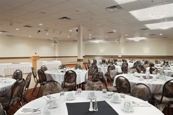 Фото отеля Days Hotel And Suites - Lloydminster - Banquet Hall