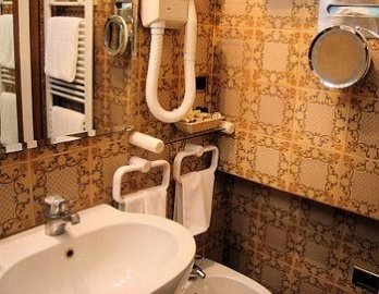 Фото отеля Hotel Morandi Alla Crocetta - Bathroom Sink