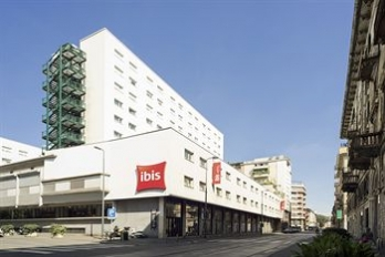 Фото отеля ibis Milano Centro - Featured Image