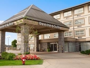 Фото отеля Days Inn & Suites Langley - Featured Image