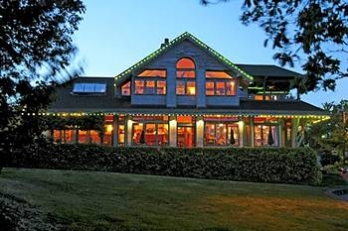 Фото отеля Spinnakers Brew Pub & Guest Houses - Featured Image