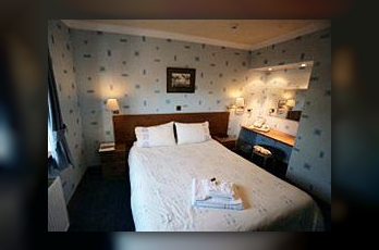 Фото отеля The Crags Hotel - Guest house - Guestroom