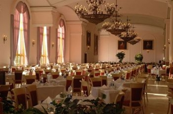 Фото отеля World Of Wonders Kremlin Palace - All Inclusive - Restaurant