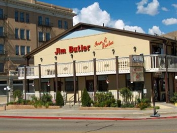 Фото отеля Jim Butler Inn and Suites - Featured Image