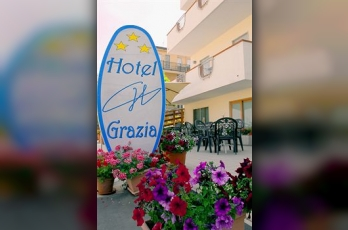 Фото отеля Grazia Hotel - Featured Image
