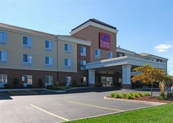 Фото отеля Comfort Suites Urbana Champaign, University Area - Featured Image