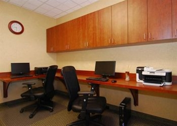 Фото отеля Comfort Suites Urbana Champaign, University Area - Business Center