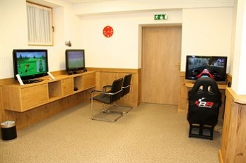 Фото отеля Hotel Pension Sonnleiten - Game Room