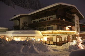 Фото отеля Hotel Pension Sonnleiten - Featured Image