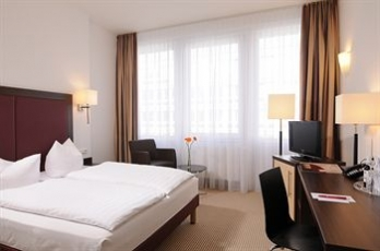 Фото отеля AZIMUT Hotel Munich City East - Guestroom