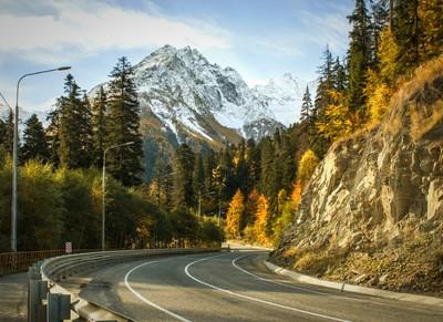 Дорога на горнолыжный курорт Домбай